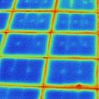 Komunikacja między izolowanymi komputerami przez sygnatury cieplne