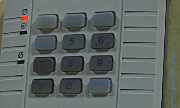 Zamek szyfrowy policji (źródło: Ostrow24.tv)
