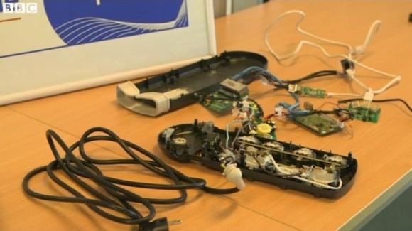 Urządzenia schowane w listwie (źródło: BBC)