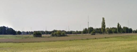 Dziesiątki anten na terenie jednostki