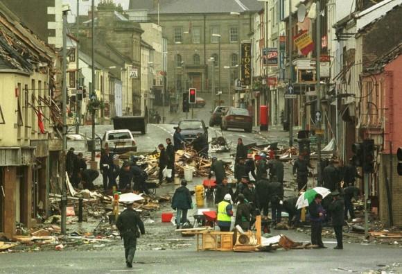 Scena krwawego zamachu IRA w Omagh