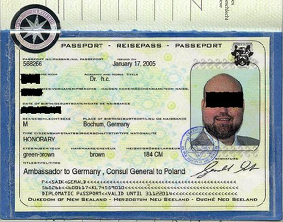 Jeden z fałszywych paszportów
